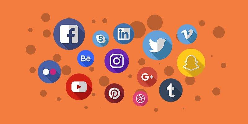 Várias logomarcas de diversas redes sociais em um fundo laranja. Claramente para vender imóveis pela internet você precisa de mídia social