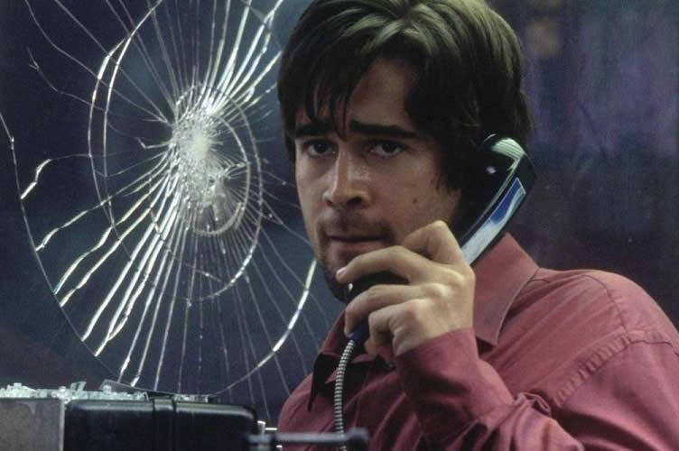 Ator do filme por um fio, atendendo ao telefone. Título: Como se preparar para uma Cold call no mercado imobiliário