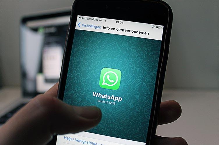 Como o corretor deve fazer o primeiro contato via Whatsapp