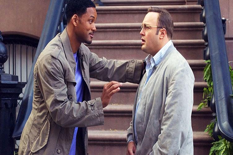 cena do filme Hitch Conselheiro amoroso onde o Hitch ensina o cliente a falar com a moça que ele gosta. A declaração de abertura é essencial para o sucesso do anúncio do imóvel.