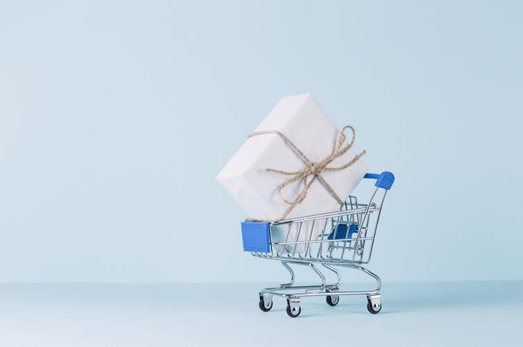 Receber indicações de clientes no mercado imobiliário é como receber um carrinho de compras com uma venda embrulhada de presente.