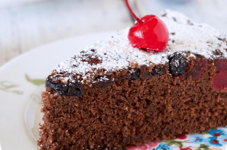 A foto de um delicioso bolo com uma cereja suculenta em cima. Entre os pecados do mercado imobiliário, escolher apenas o melhor pode ser um erro fatal.